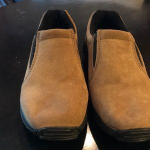 NWOT Men's 9D Magellan Outdoor Shoe ⭐️